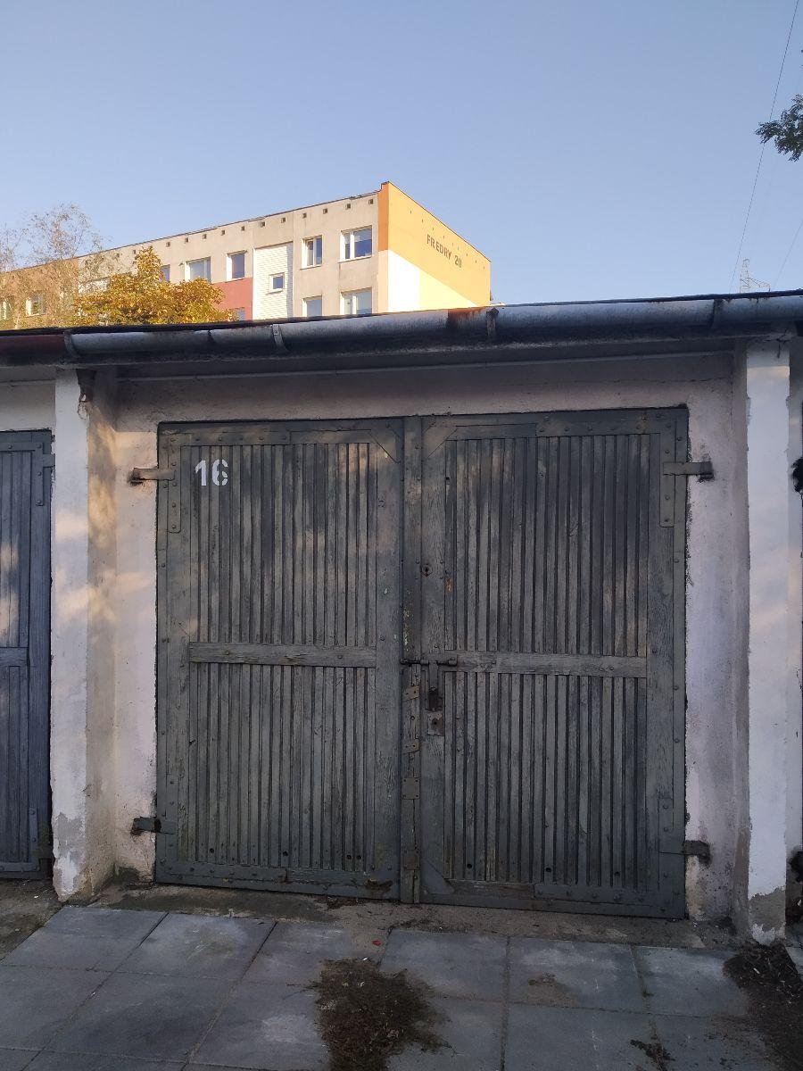 Sprzedam garaż murowany