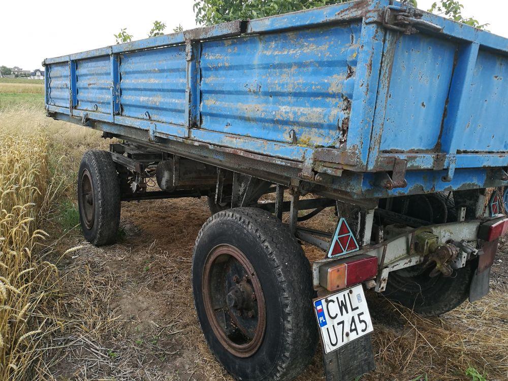 Przyczepa rolnicza Sanok , 1986 , 4 tony, 2 tłoki ,Włocławek