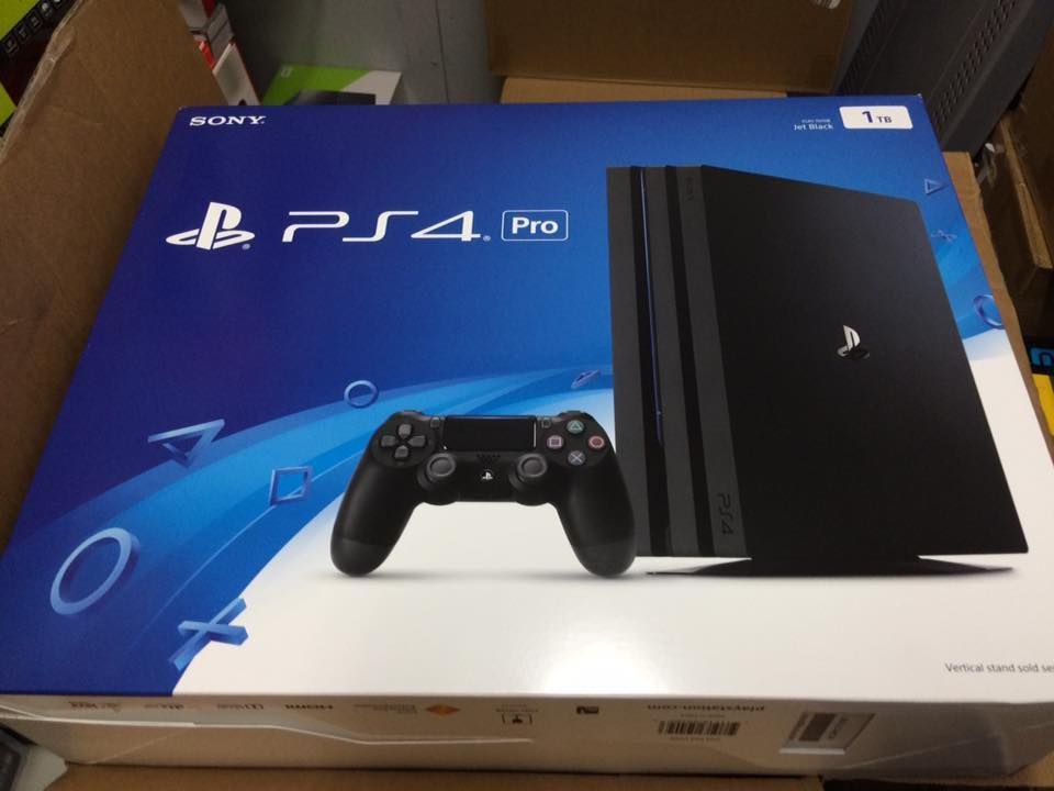 nowy kruczoczarny Sony Playstion 4 pro -1TB