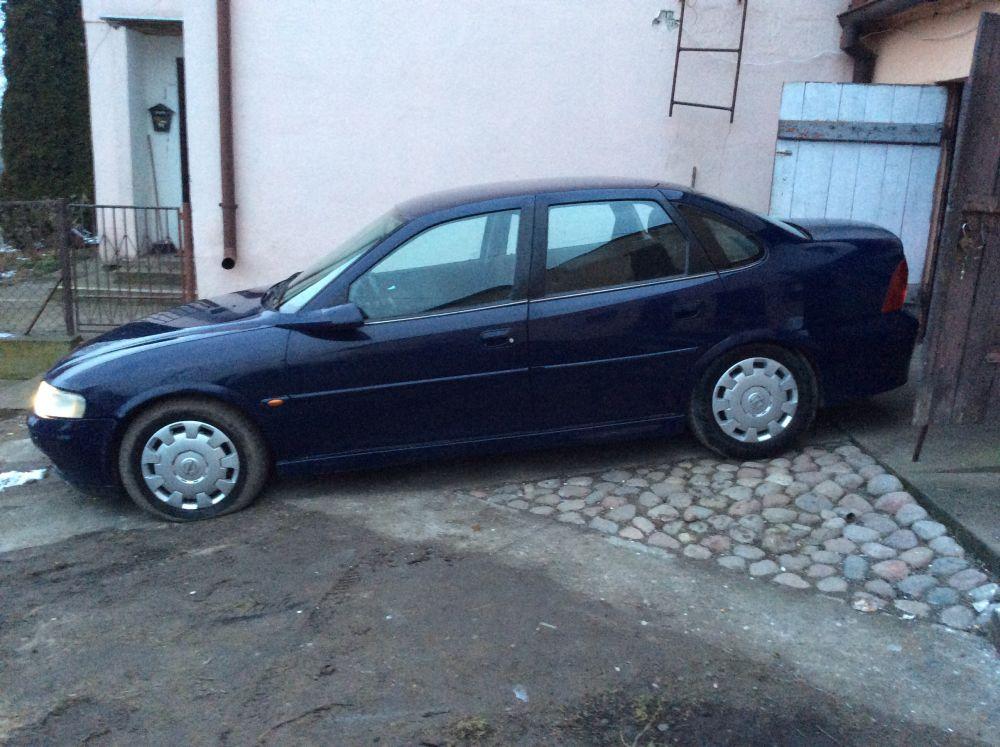 Nietypowy Okaz Q4.pl - Ogłoszenia - Kupię samochody osobowe i dostawcze JH07