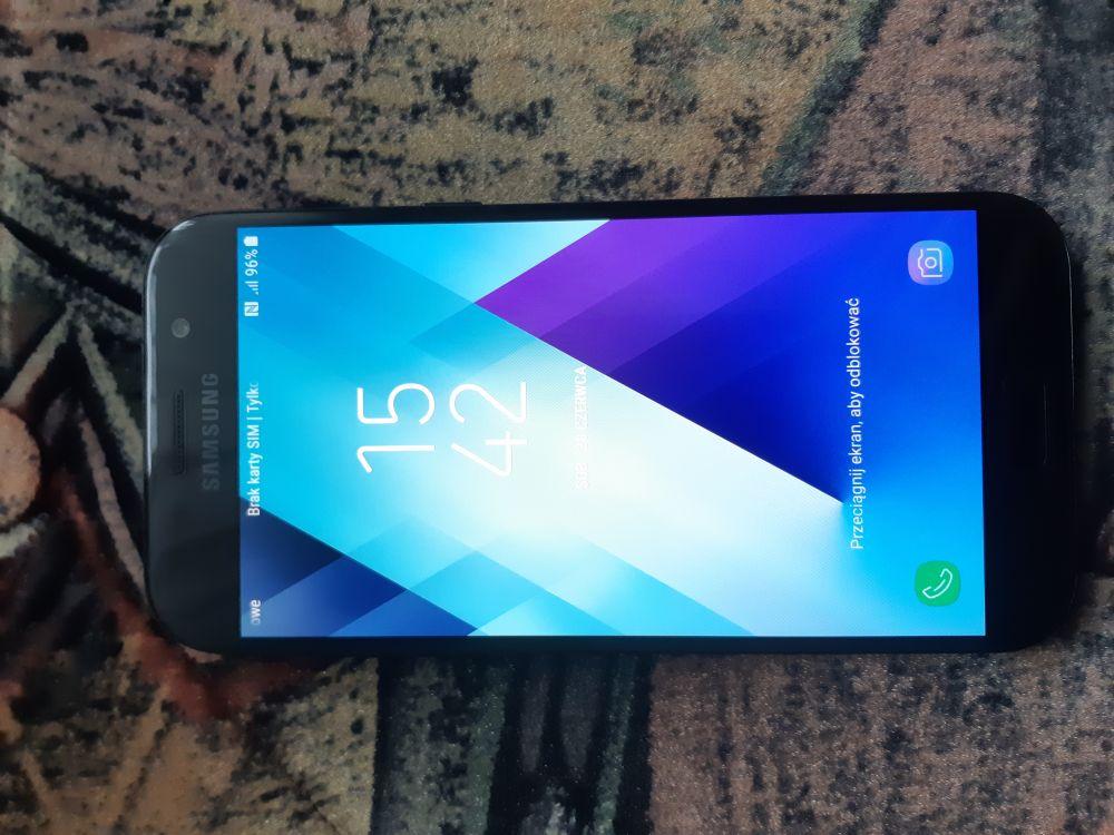 Sprzedam  telefon  Samsung  Galaxy  A  5  (2017).