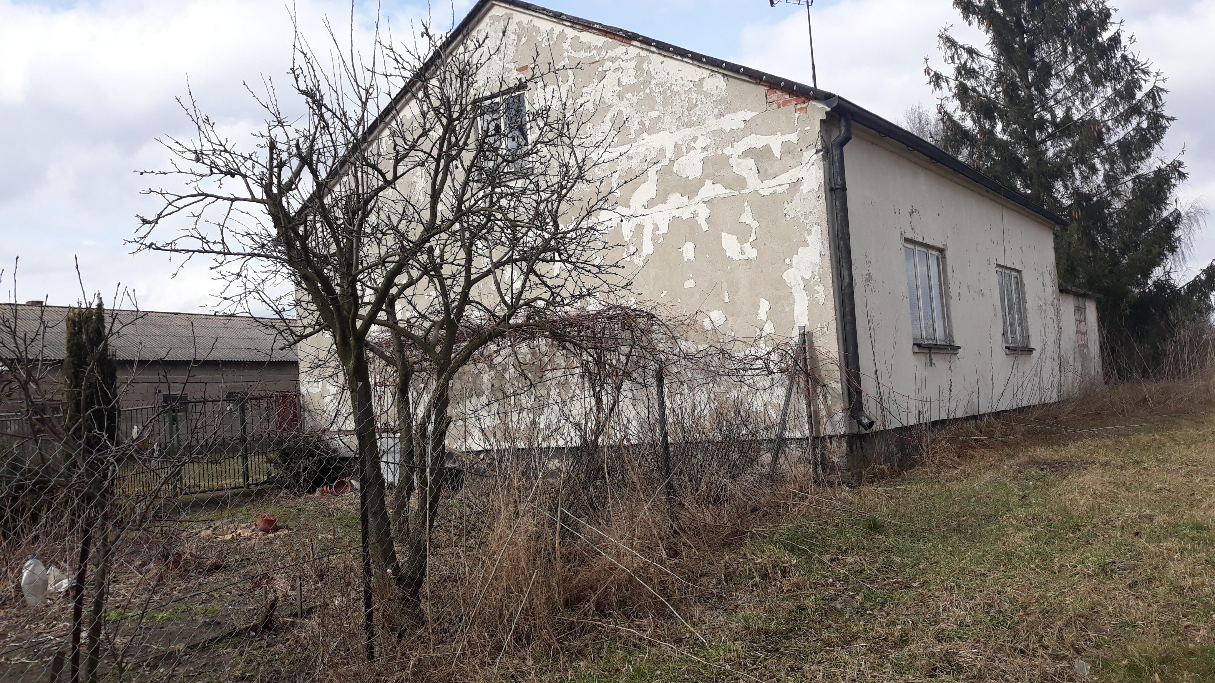 bydynek mieszkalny i gospodarczy na wsi